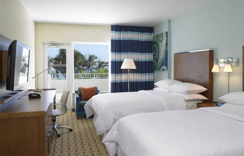 Four Points Sheraton Oceanfront Miami Beach bedroom