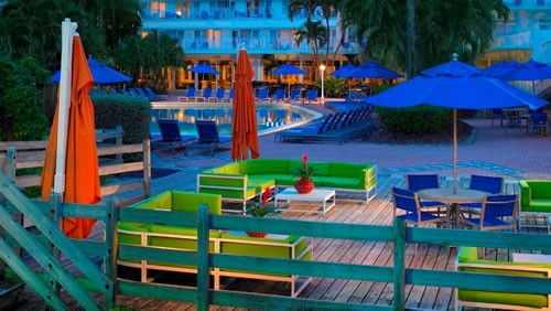 Four Points Sheraton Miami Beach  pool area