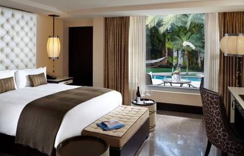 National-Hotel-Miami-Beach-Oceanfront-Hotel-bedroom