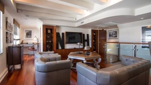 National-Hotel-Miami-Beach-Oceanfront-Hotel-suite
