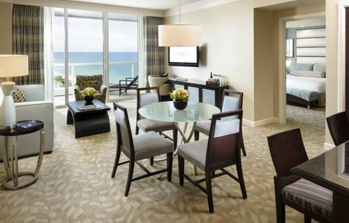 fontainebleau-oceanfront-resort-bedroom-suites